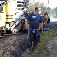 Zamora supervisó el avance del plan de asfaltos municipal en Benavídez