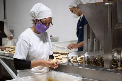 Pasteleros acordó aumento del 36% más sumas por $20.000 para alfajoreros