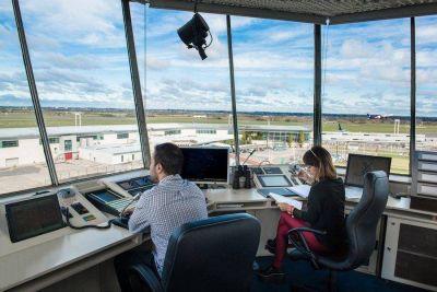 Sin solución salarial, los controladores aéreos activan protestas y quedarían afectados los vuelos de carga