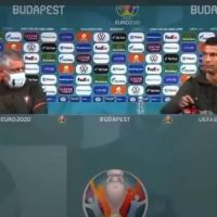 Coca-Cola no, agua sí: Cristiano Ronaldo esconde 2 botellas de la bebida en plena sala de prensa