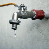 Dos pérdidas de agua y varias cuadras sin el servicio de ABSA