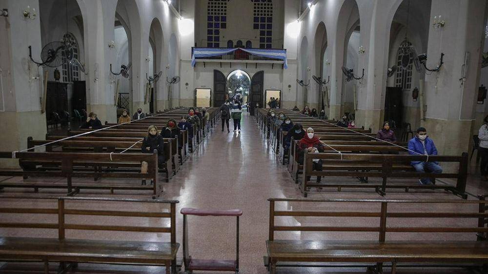 Habilitan los oficios religiosos en lugares cerrados con aforo del 30 por ciento