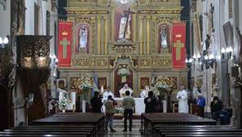 Se reanudan las celebraciones religiosas con un 30% de aforo en lugares cerrados
