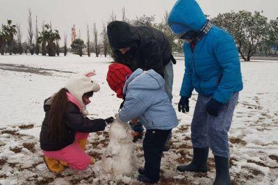 Otra histórica nevada en Córdoba capital: inusual fenómeno para otoño