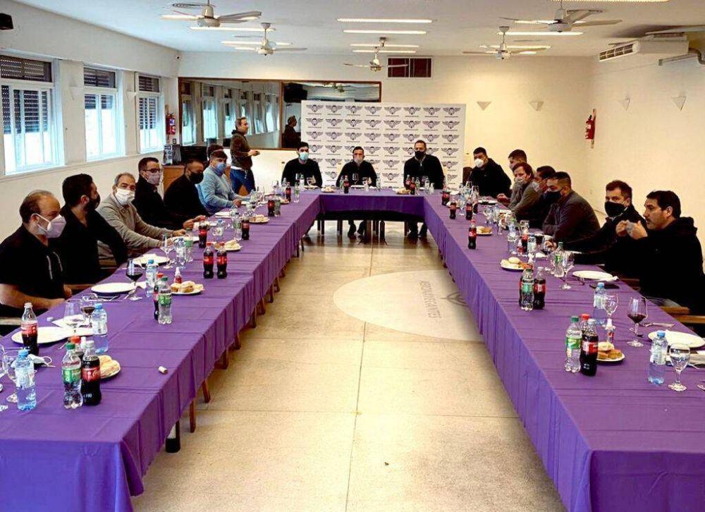 El moyanismo prepara un Sub 55 para enfrentar a los Gordos en la CGT