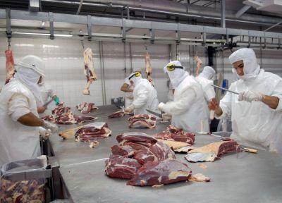 Exportaciones cerradas, el campo en pie de guerra y la amenaza de Israel: el Gobierno busca una salida al conflicto con la carne