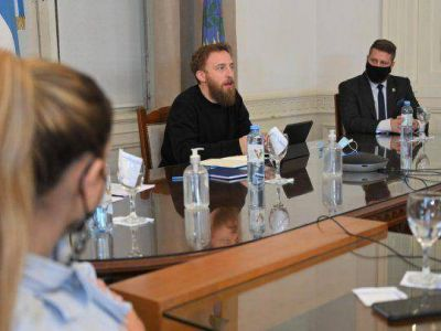 Otermín se reunió con jóvenes industriales de la provincia