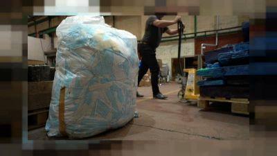Varios hospitales británicos adoptan maquinaria industrial para reciclar mascarillas