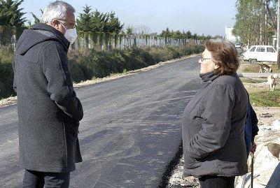 Julio Zamora recorrió obras de gas, poda y pavimentos realizadas con fondos municipales