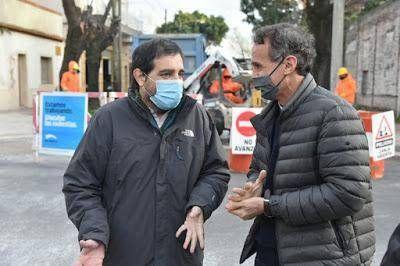 Moreira y Katopodis recorrieron la puesta en valor de la calle Perdriel