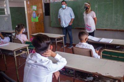 El detrás de la vuelta a clases presenciales, el monitoreo de Kicillof desde Chapadmalal y las chicanas por las vacunas