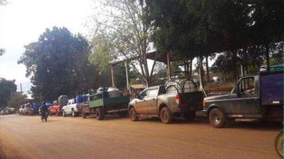"""Iguazú lleva más de 2 meses sin servicio y proliferan los """"deliverys"""" de agua"""