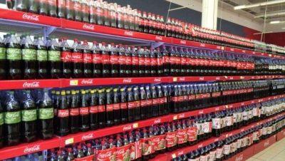 Y como por arte de magia... Coca-Cola y Manaos ahora son lo mismo: ¿en qué consiste la nueva ley de góndolas?