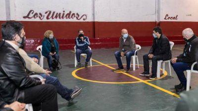 Grindetti visitó el Club Unidos de Gerli Este y conversó con vecinos voceros