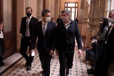 Sergio Massa, Máximo Kirchner y Mauricio Macri deben estar aislados por contacto con un diputado con covid