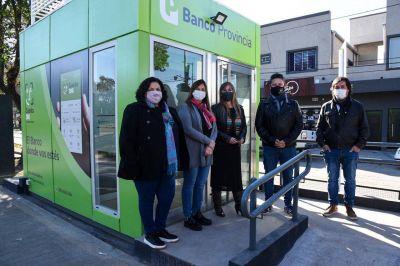 Menéndez y Di Tullio inauguraron nuevos cajeros en Parque San Martín