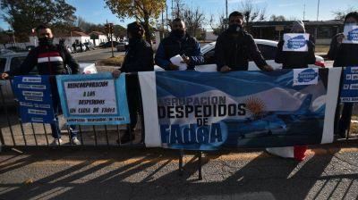 Alberto Fernández en Córdoba: cacerolazo de vecinos, protesta de exempleados y tránsito cortado
