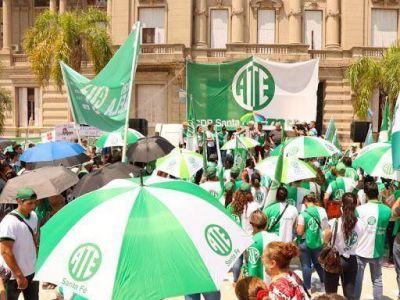La Provincia saludó a los trabajadores del Estado en su día