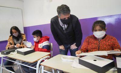 """Vicente López presentó el programa de ayuda escolar """"Soy Parte Educando"""""""