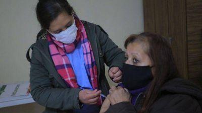 Avanza la campaña de vacunación antigripal en Esteban Echeverría