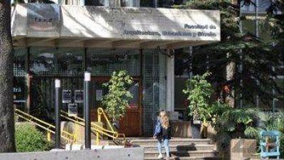 Piden la renuncia de un profesor de la Facultad de Arquitectura que fue denunciado por abuso sexual