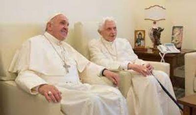 Papa Francisco felicita a Benedicto XVI por el 70 aniversario de su ordenación sacerdotal