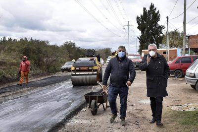 Julio Zamora supervisó la etapa final del plan de asfaltos en Benavídez sur