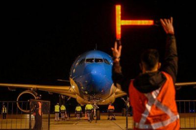 Parte otro vuelo de Aerolíneas Argentinas hacia Moscú en busca de más Sputnik V