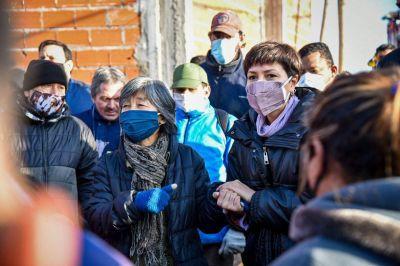 Mayra Mendoza se comprometió con la reconstrucción de la Cooperativa de Cartoneros incendiada