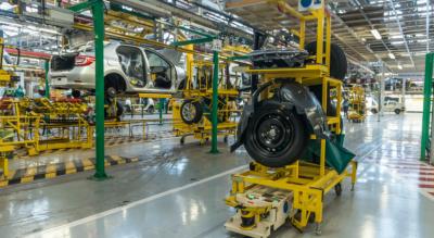 Reactivación automotriz: Renault abre un segundo turno en septiembre y sumará 150 empleos