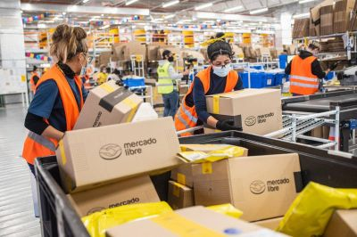 Otro conflicto sindical en Mercado Libre podría afectar repartos en todo el país