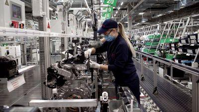 El Gobierno activa medidas ante la creciente preocupación social por el empleo y los salarios
