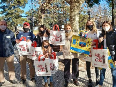 Se entregaron bolsas reutilizables en el Día del no uso de bolsas de plástico