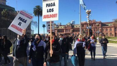 Recrudece el conflicto de Garbarino: empleados se manifestaron en la Casa Rosada