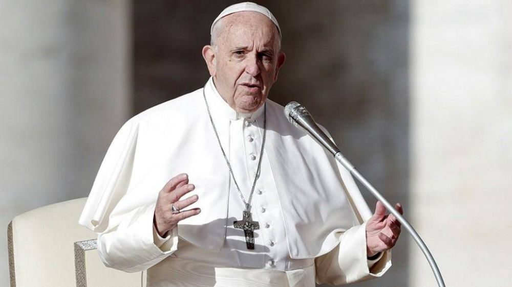 El papa Francisco se recupera de su operación de colon