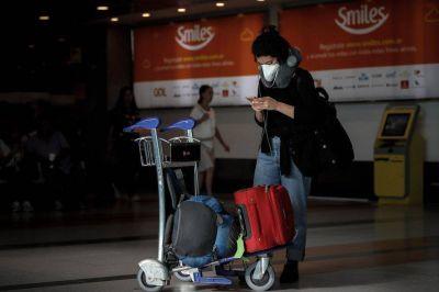 Incertidumbre: hay más de 14.000 varados, el Gobierno no autoriza nuevos vuelos y las aéreas hablan de falta de transparencia