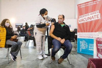 Vacuna libre en provincia de Buenos Aires: Axel Kicillof la anunció para mayores de 45 años y de 18 en 31 municipios