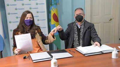 """Descalzo y Díaz firmaron el convenio para implementar el programa """"Comunidades sin violencia"""" en Ituzaingó"""