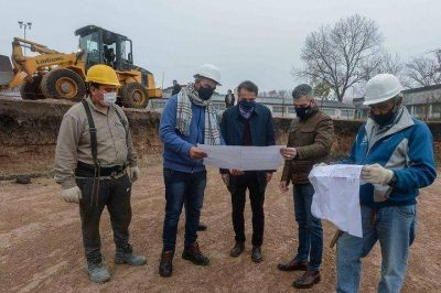 Hurlingham | Katopodis y Zabaleta recorrieron las obras del Polideportivo de Villa Tesei