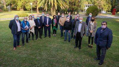 Críticas de la oposición a Alberto por restringir la libre elección de obras sociales