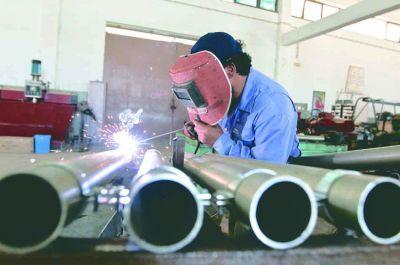 En mayo, la actividad de la industria creció 30,2% y la construcción 70,9% interanual