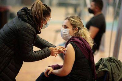 En Provincia apuestan a tener vacunados a todos los mayores de 18 años dentro de 30 días