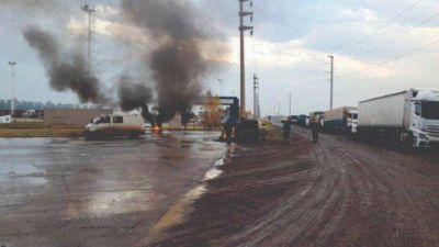 Santa Fe: trabajadores de UOCRA paralizaron las aceiteras