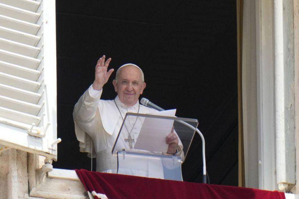 La salud del Papa: Francisco tuvo una líneas de fiebre, pero sigue recuperándose tras la operación