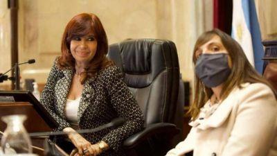 Cristina pone a su mano derecha como senadora y engrosa su núcleo duro