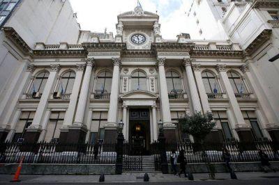 """Alarma dólar: el Banco Central y la Comisión de Valores estrechan el cepo sobre el """"Contado con liquidación"""""""