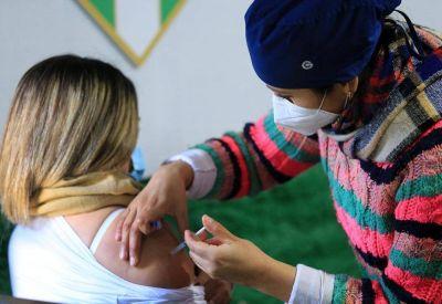 Este lunes continuará la vacunación contra el Covid en barrios de Capital
