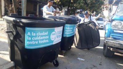 Tareas de higiene urbana y colocación de nuevos contenedores en distintos sectores de la ciudad