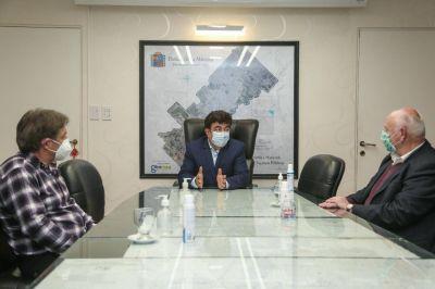 Espinoza se reunió con el Colegio de Médicos