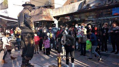 Vacaciones de invierno: Carlos Paz se encendió con la llegada de los turistas